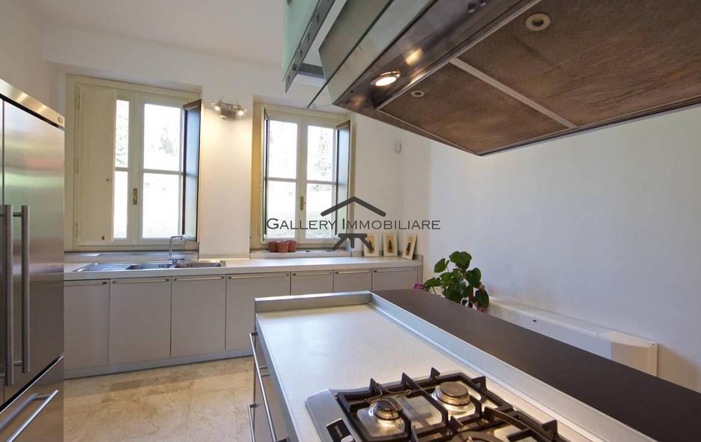 Appartamento non arredato con piscina gallery immobiliare for Appartamento arredato