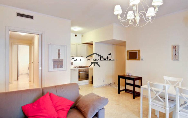 Delizioso appartamento ristrutturato gallery immobiliare for Appartamenti ristrutturati